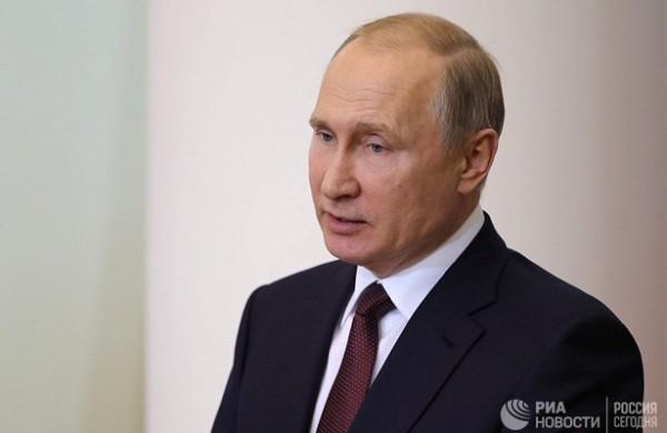 Путин поздравил российских пожарных&nbsp