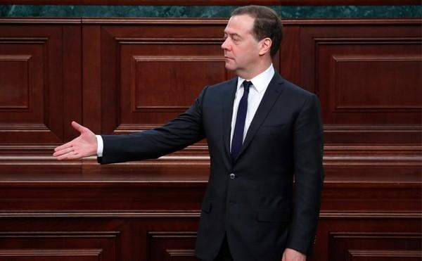Медведев рассказал об отсутствии планов повышения подоходного налога