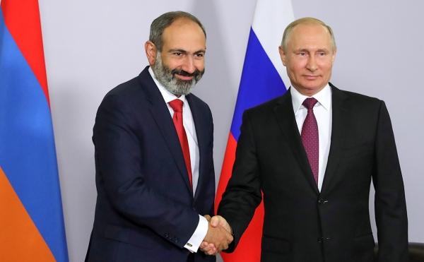 Путин и Пашинян провели первую встречу