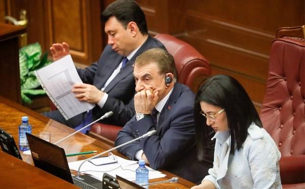 Парламент проголосовал против Пашиняна на выборах премьера Армении