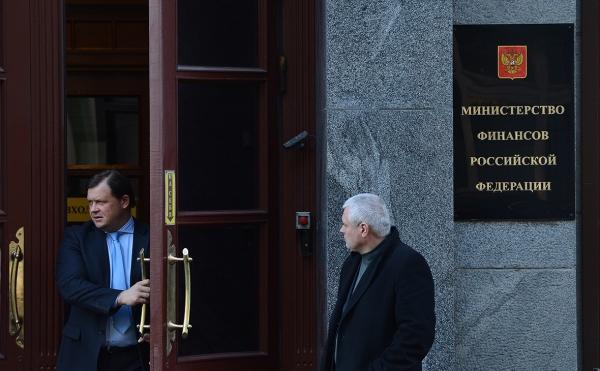 Правительство из-за санкций и задач Путина не обновило макропрогноз