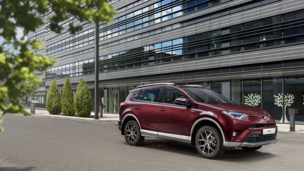 Россияне за три месяца купили машин на 500 миллиардов рублей