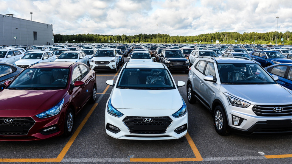Рост продаж новых машин в России замедлится ещё сильнее