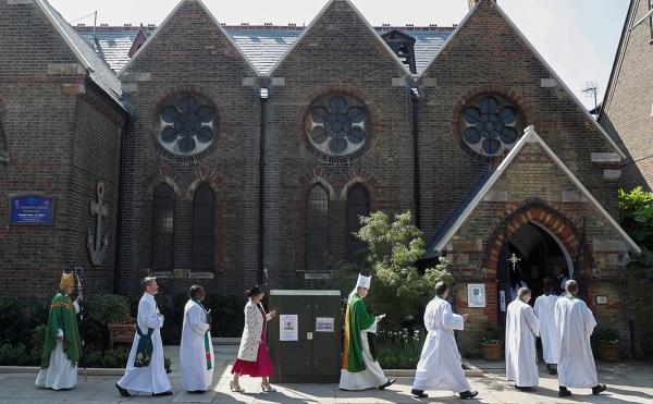 В Великобритании священники решили отказаться от акций нефтяных компаний