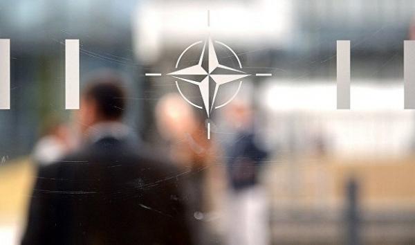 НАТО хочет сохранить диалог сМосквой, заявили вПариже&nbsp