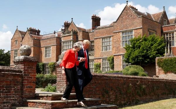 Трамп на острове: почему президент США не поможет британскому премьеру