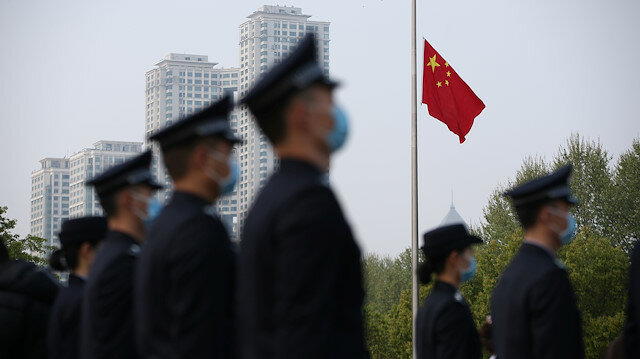 Китай оплакивает тысячи погибших от эпидемии коронавируса