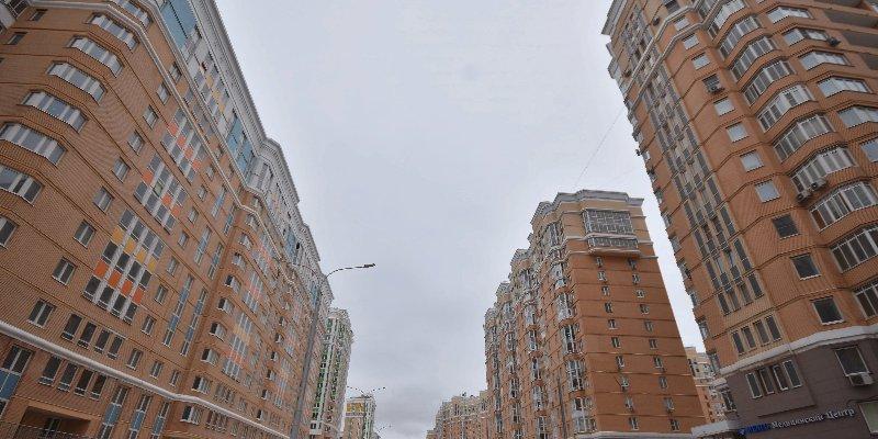 Более тысячи рабочих вышли на достройку жилого комплекса на юге Москвы