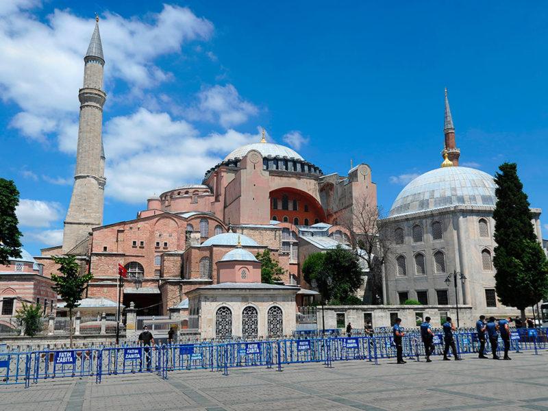 В РПЦ считают, что превращение Айя-Софии в мечеть не способствует «укреплению мира»