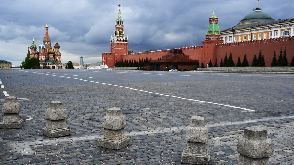 В первом квартале этого года Россию посетило 300 тысяч туристов. Во втором квартале? Ноль.