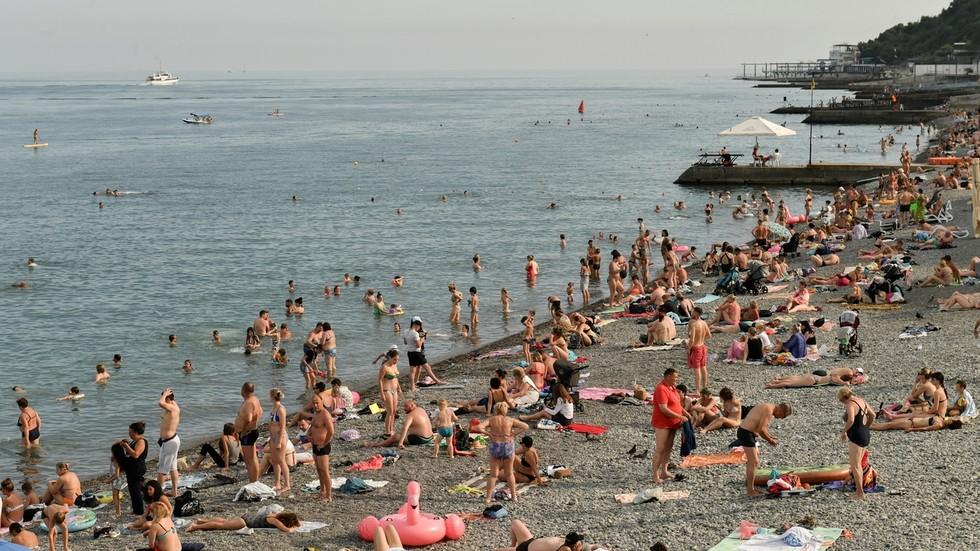 Почти 1,5 миллиона туристов посетили Крым. И это только в июле!