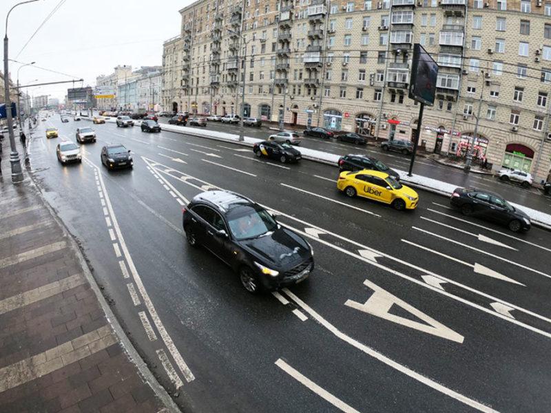 Из выделенок не выедут: режим автобусных полос поменяли Автомобилисты больше не смогут пользоваться выделенными полосами для общественного транспорта