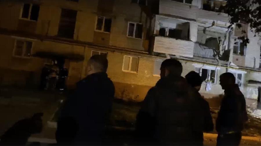 Газ взорвался в многоквартирном доме в Тюмени