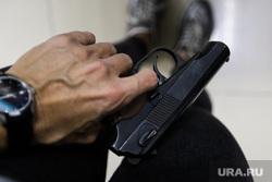 В Госдуме предложили повысить возраст продажи оружия