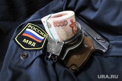 Генерала-криминалиста МВД РФ приговорили к восьми годам колонии