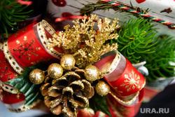 Коронавирус ударил по российскому рынку новогодних товаров