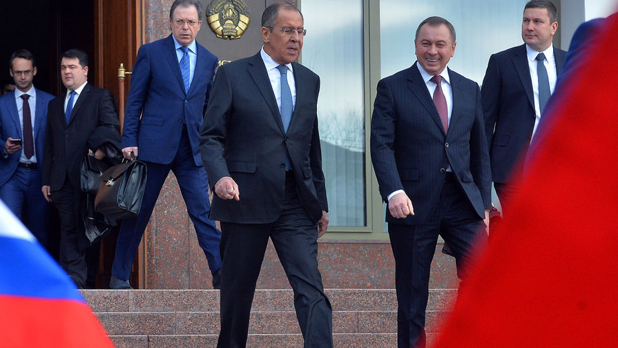 Лавров проводит встречу с Макеем один на один в Минске
