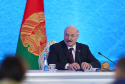 Лукашенко пригрозил врачам, уехавшим работать за границу. «Назад не вернетесь». Видео