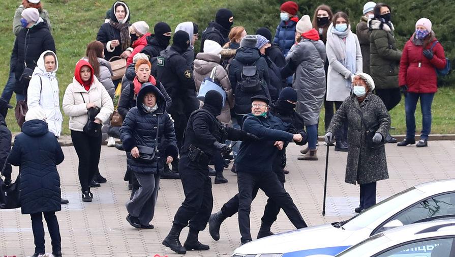 Посольство РФ в Минске занимается ситуацией с задержанием журналистов