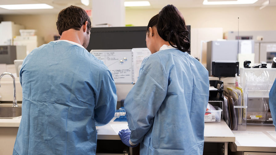 Ученый спрогнозировал скорый спад заболеваемости COVID-19 в России