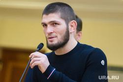 Макгрегор на время обошел Нурмагомедова в рейтинге UFC