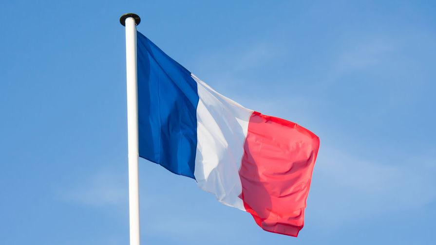Правительство Франции предупредили о возобновлении эпидемии COVID-19 после праздников