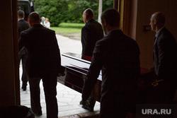 В Челябинске за сутки от коронавируса умерли сразу два врача. Им было по 38 лет