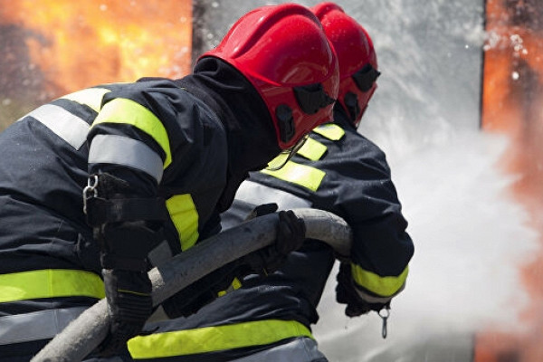 ВДзержинском произошел пожар вангаре