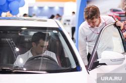 В ХМАО автодилеры заставляют клиентов покупать машины в кредит