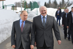 Лукашенко заявил, что они с Путиным «намертво» в одной команде