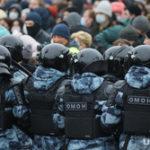 Мясников оправдал ОМОНовца, ударившего женщину в живот на митинге