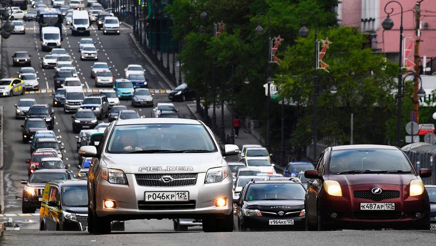 По проспекту в Чебоксарах проехал управляемый младенцем автомобиль