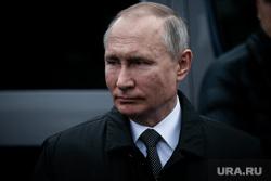 Путин приехал на Рождество в храм в Новгородскую область