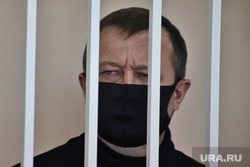 Экс-подчиненный губернатора Шумкова просит его выступить в суде