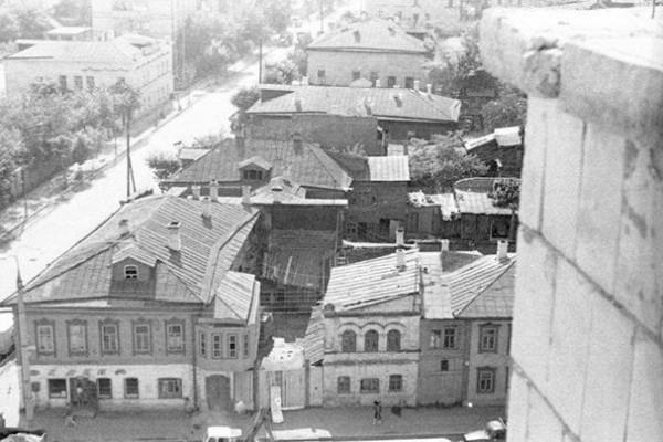 Гидпоулицам Нариманова иСары Садыковой: отмыловаренного завода дожелезнодорожного вокзала