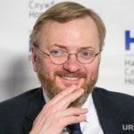Милонов поддержал уральского чемпиона мира. «Обогнал этих лосей и оленей»