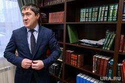 Пермский губернатор улетел в Москву играть в хоккей