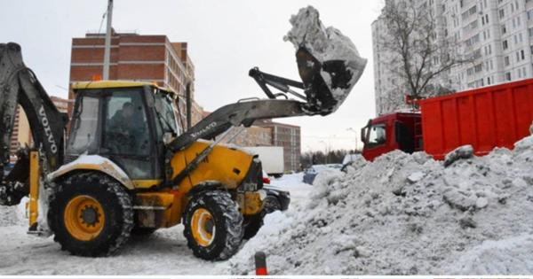 ВКрасногорске дорожные икоммунальные службы продолжают чистить территории отснега