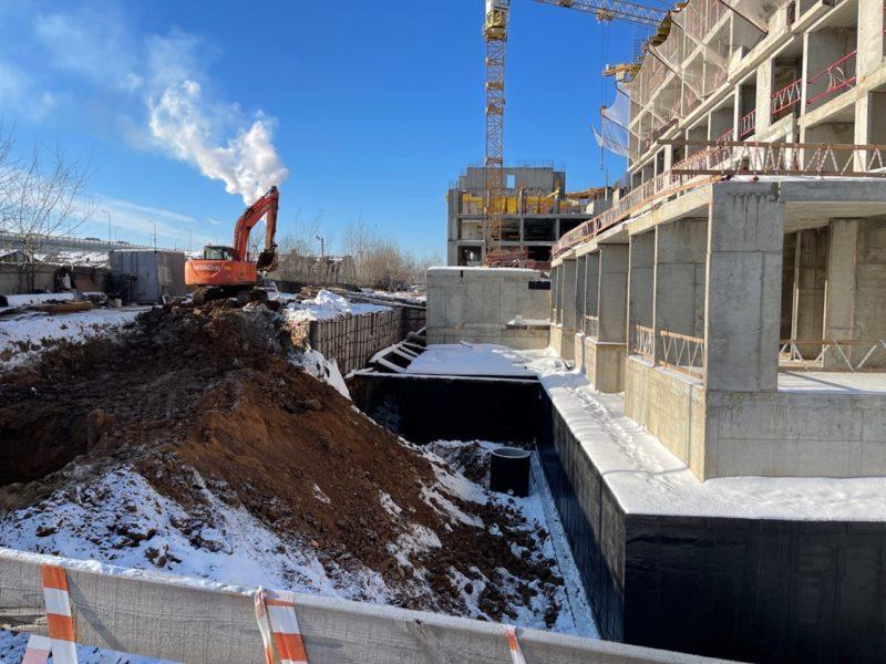 В трех корпусах проблемного ЖК «Царицыно» начинается монтаж лифтового оборудования