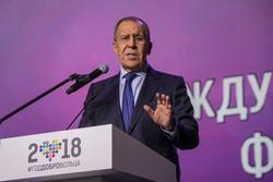 Лавров призвал Россию и Китай избавиться от доллара