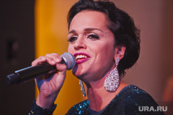 Певица Слава рассказала о смерти матери