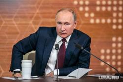 Путин обсудил с Меркель и Макроном ситуацию в Донбассе