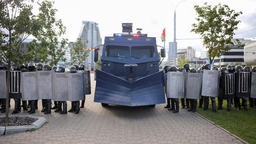 В центр Минска выдвинулась техника силовиков перед акцией протеста