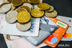 Финансист рассказала, кому повысят пенсии в мае