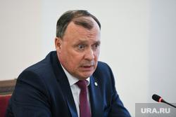 Глава Екатеринбурга отдал свои полномочия двум замам. В мэрии — новый расклад сил