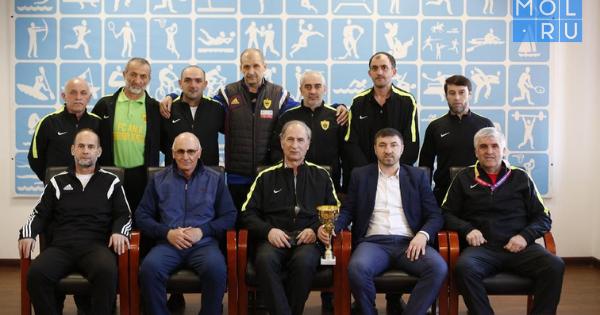 Команду помини-футболу среди ветеранов «Кавказ» чествовали вМинспорта региона