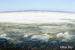 На челябинском озере машина ушла под лед