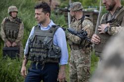 Зеленский: Украина готова к «российскому вторжению» в Донбассе