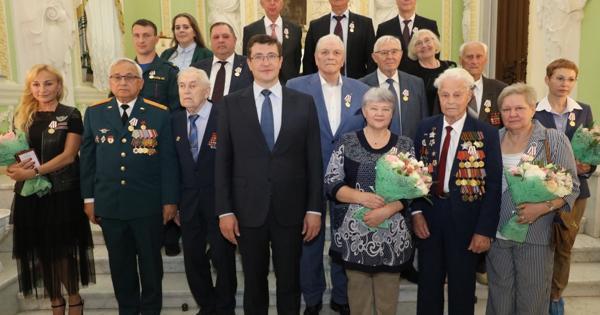 Глеб Никитин вручил первые медали «Впамять 800-летия Нижнего Новгорода»