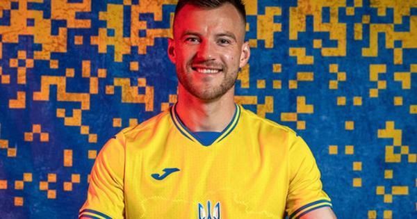 Украинская федерация футбола резко ответила накритику сборной заформу сКрымом